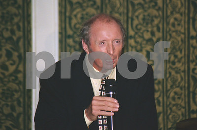 Jasper Carrott entertaining at the Celebrity Golf Classic, October 1997
