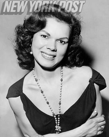 Hispanic singer, Carmen D'Oro, during her custody battle. 1958