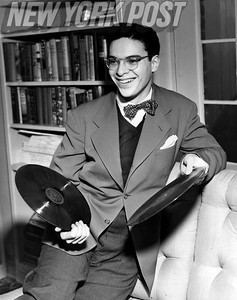 American pianist and conductor, Leon Fleisher. 1946