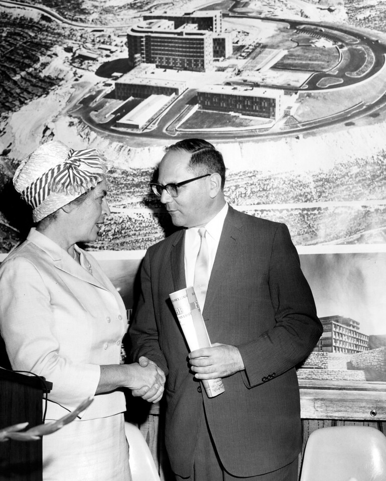 Mrs. Siegfried Kramarsky and Israel Consul General, Benyamin Eliav.  1961