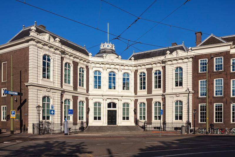 Kneuterdijk Palace