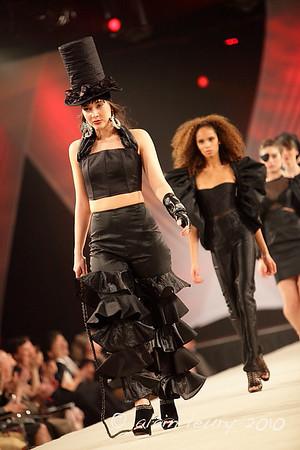 GRANDE PREMIÈRE 2010 / Académie de Design de Mode RICHARD ROBINSON