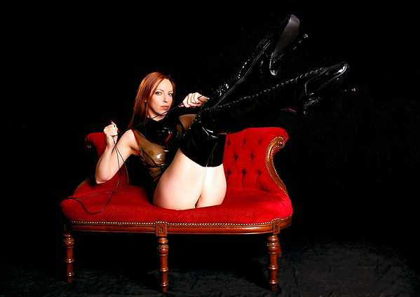 Emily Boots n bondage (31)