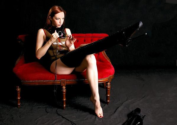 Emily Boots n bondage (3)