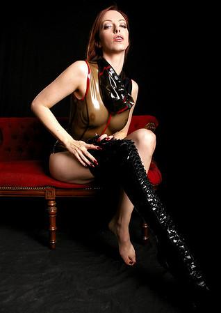 Emily Boots n bondage (15)
