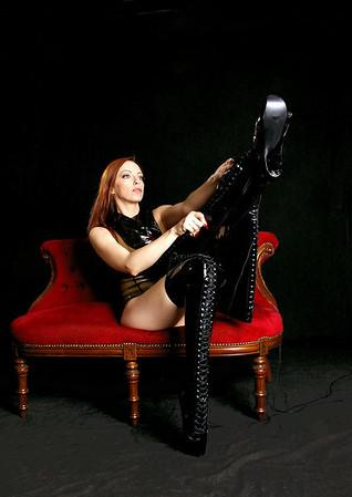 Emily Boots n bondage (21)