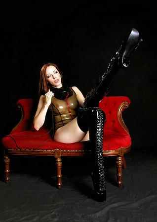 Emily Boots n bondage (28)