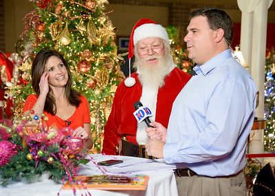 Beth Haynes, Russell Biven, Santa
