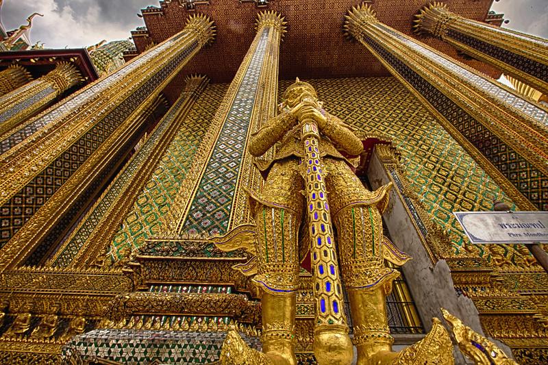 Royal Palace|20130411|06-44-08|IMG_4942|©derekrigler2013_HDR