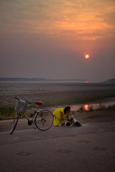 Vientiane 20130408 12-11-43 IMG_4395 ©derekrigler2013
