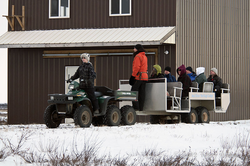 Lodge-visitors, Seal River Lodge, Manitoba