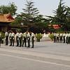 武警们在太庙里训练