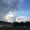 每天下班回家,都来操场跑跑,都赶上乌云翻滚