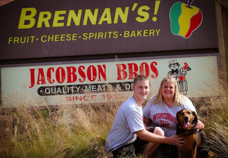 Brennan's Grocery Closing Mini Session Madison, WI