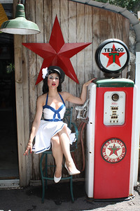 Gas Pump/ Pin up