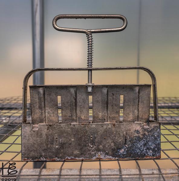 Soil-block stamper