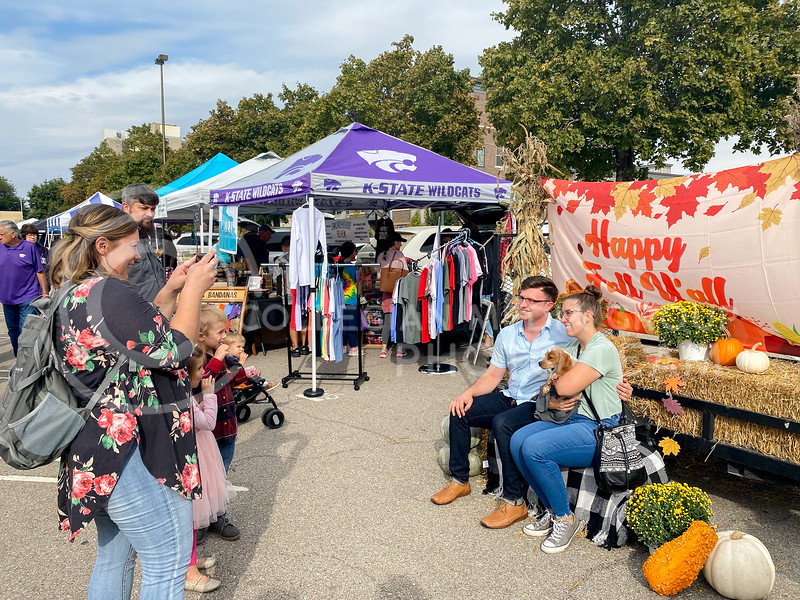 MHK Farmer's Market celebrates the beginning of the season with their Fall Fun Kickoff which offered individual family games, festive photo ops, and a mini petting zoo. 10/02/21. (Dylan Connell | Collegian Media)