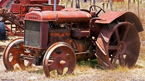On the Emerald side of Biloela they have a great collection of 'as is' vintage farm machinery. Shady trees to park under.