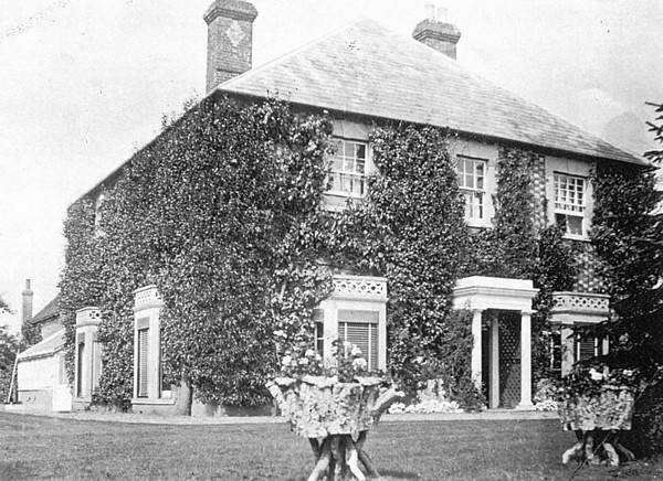 <center><font size=3><u> - Hale Farm House- </u></font> (BS0821)  Photographed in c1896</center>