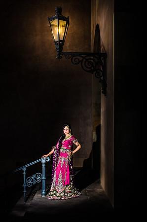 Fotograf: Zafar Iqbal, zafariqbal.dk  Model: Tasveer  Assistent: Nana Hee Jepsen  Tøj og smykker: GULNAAZ Fashion Makeup: Tasveer's Art of Makeup