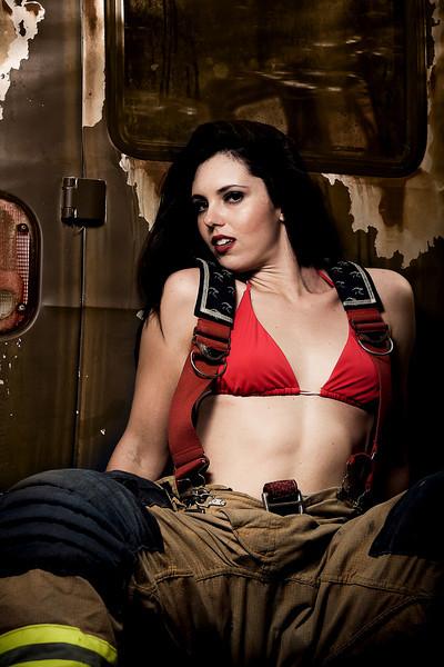 IMAGE: http://www.perrydevenecia.com/Fashion/Amanda/MG9889/1023799322_rXTNA-L.jpg