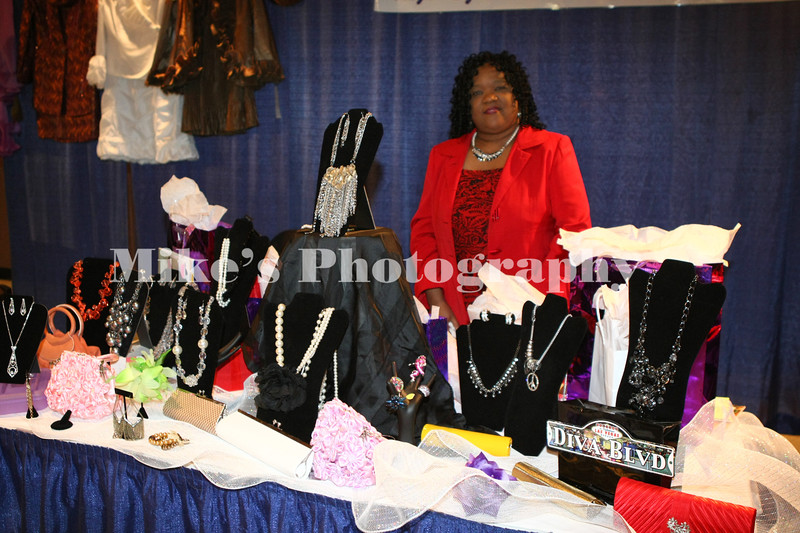 Arlene Woody with D Victous Divas Botique in Pine Bluff