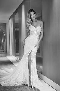 112_KLK_Pallas Couture_Danielle_1-3-bw