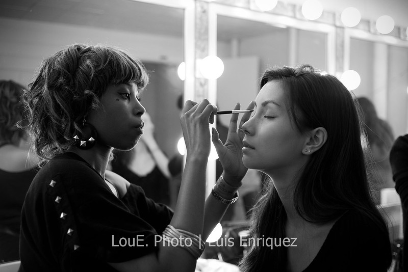 LouEPhoto Clothing Show Backstage May 2011-1
