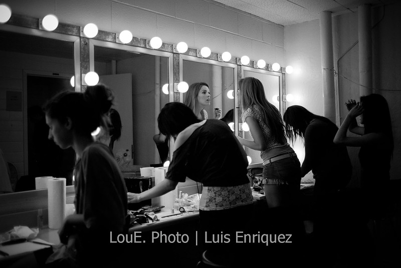 LouEPhoto Clothing Show Backstage May 2011-19