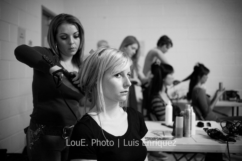 LouEPhoto Clothing Show Backstage May 2011-14