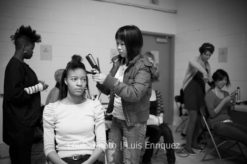 LouEPhoto Clothing Show Backstage May 2011-11