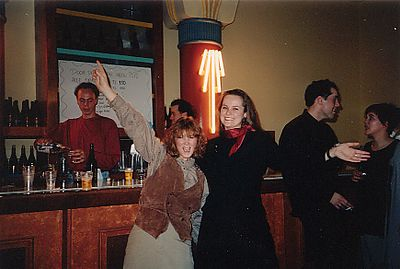 Vlnr Sonja, Josée, Marc en Esther in fotostudio Scossa in Amsterdam