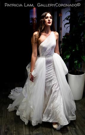 Model wedding dress 6697