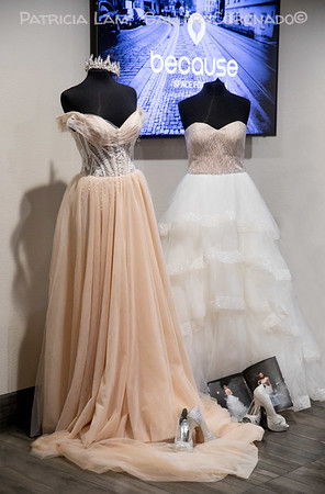 Two gowns mannequins 6651