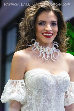 Model smile white dress neck piece 7243