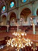 Arches_and_Central_Chandelier_Eldridge_Street_Synagogue
