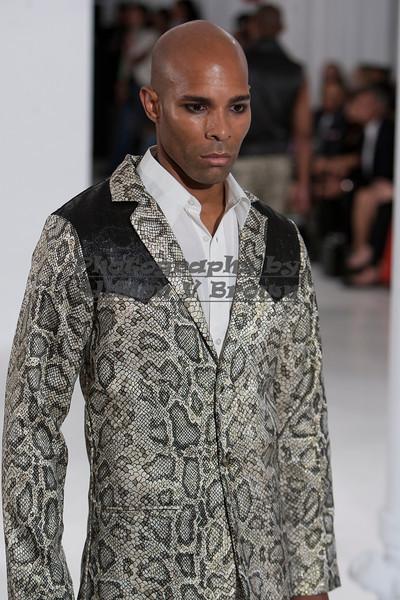 Darius Wobil - Fashion Wk 2011_0161