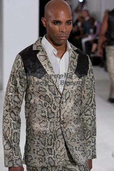 Darius Wobil - Fashion Wk 2011_0159