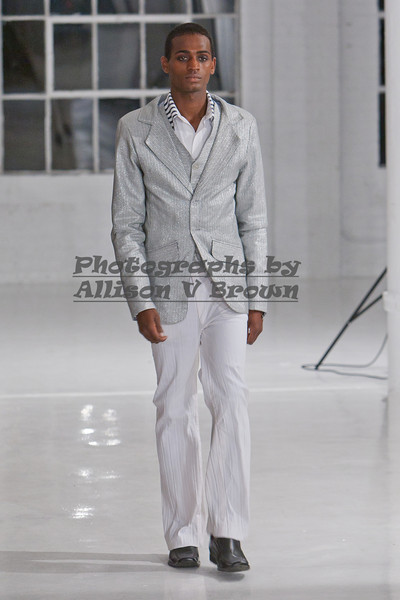 Darius Wobil - Fashion Wk 2011_0036