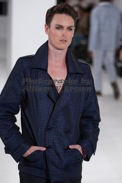Darius Wobil - Fashion Wk 2011_0174