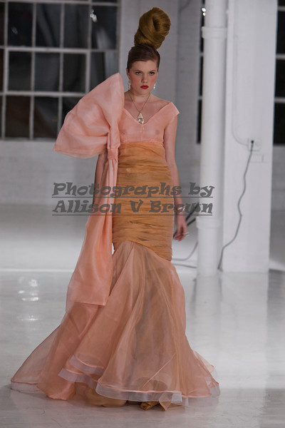 Darius Wobil - Fashion Wk 2011_0418