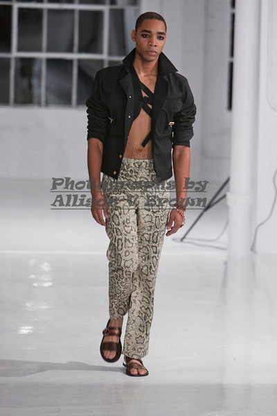 Darius Wobil - Fashion Wk 2011_0118