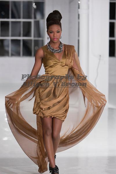 Darius Wobil - Fashion Wk 2011_0429