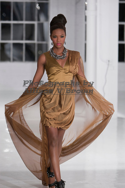 Darius Wobil - Fashion Wk 2011_0428