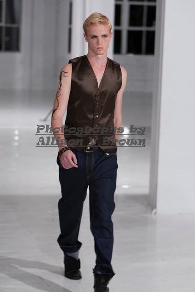 Darius Wobil - Fashion Wk 2011_0065