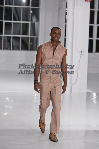 Darius Wobil - Fashion Wk 2011_0080