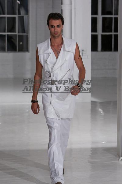 Darius Wobil - Fashion Wk 2011_0026