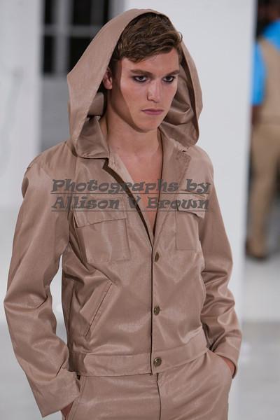 Darius Wobil - Fashion Wk 2011_0098