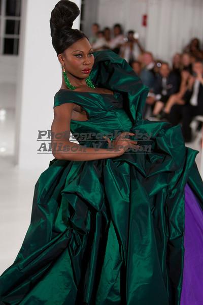 Darius Wobil - Fashion Wk 2011_0558