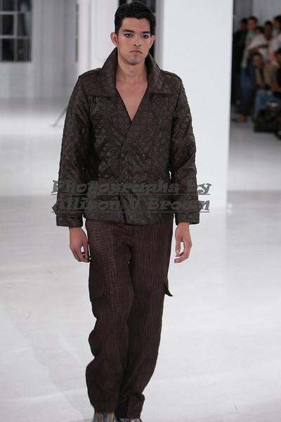 Darius Wobil - Fashion Wk 2011_0181